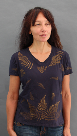 Ferns Black Short Sleeve V-neck